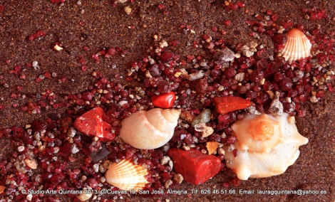 Conchas, jaspes, granates